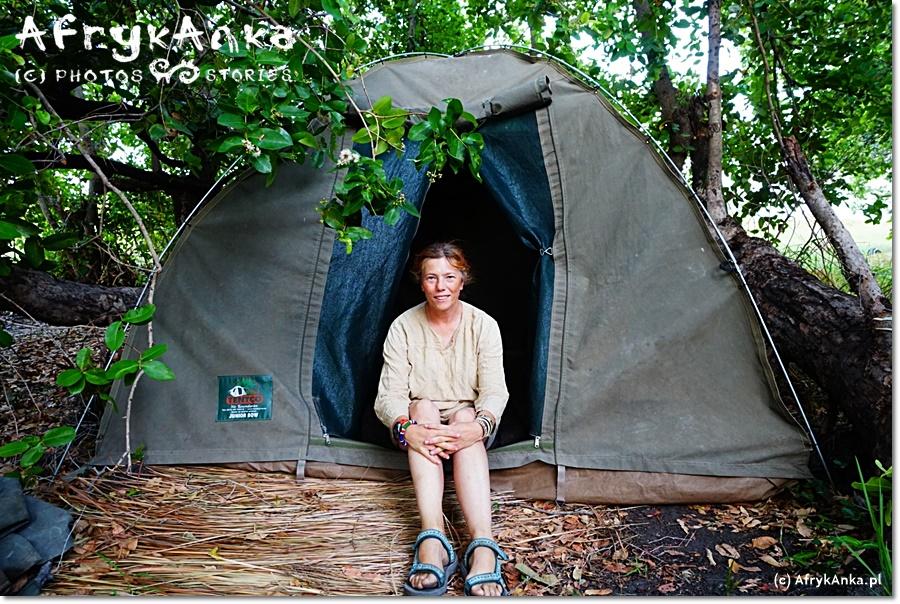 Mój namiot - tak jak cały obóz - nie był oddzielony żadnym płotem od otaczającej nas przyrody.