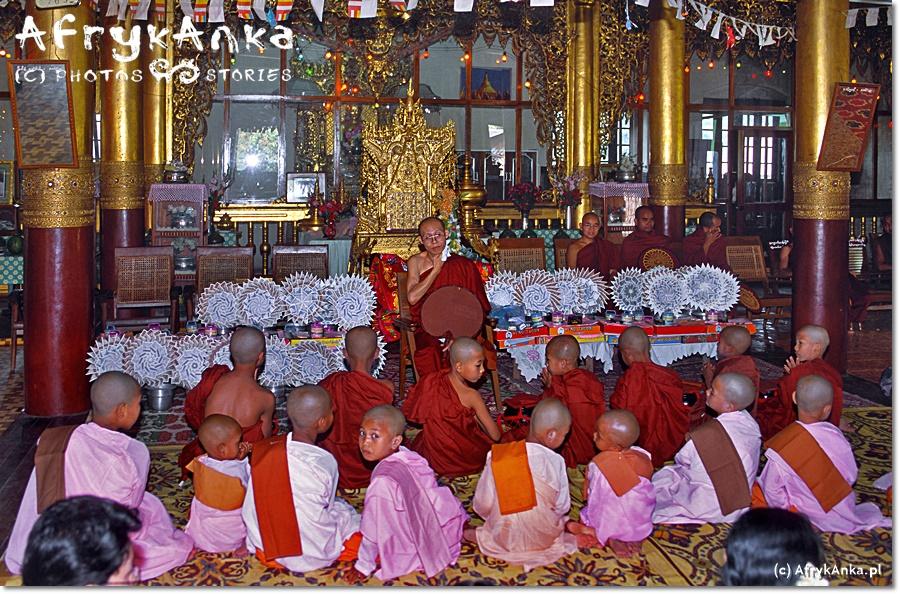 Dzieci w klasztorze spędzą kilka dni lub tygodni.