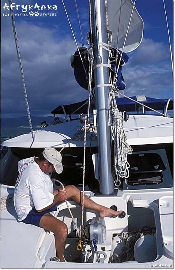 Skipper Bernard - praca na katamaranie nigdy się nie kończy!
