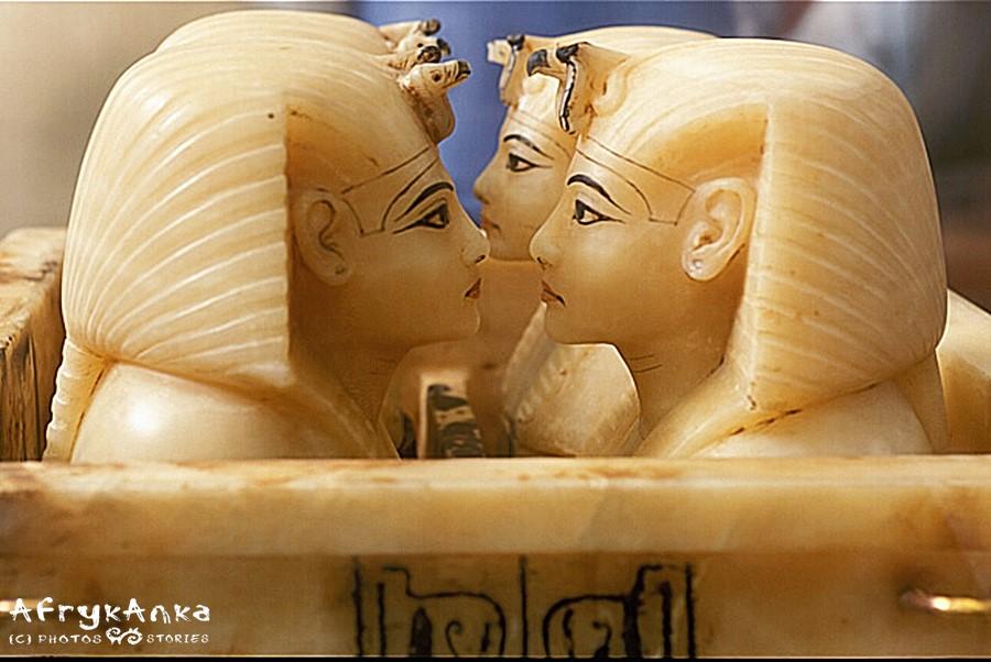 Alabastrowe kanopy zawierały wnętrzności faraona wyjęte przed mumifikacją.