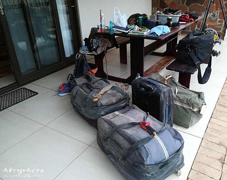 Rodzinny wyjazd. O dużo za dużo bagaży!