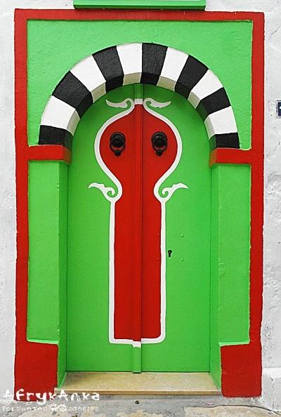 Ozdobne wejście do łaźni w Hammamet.