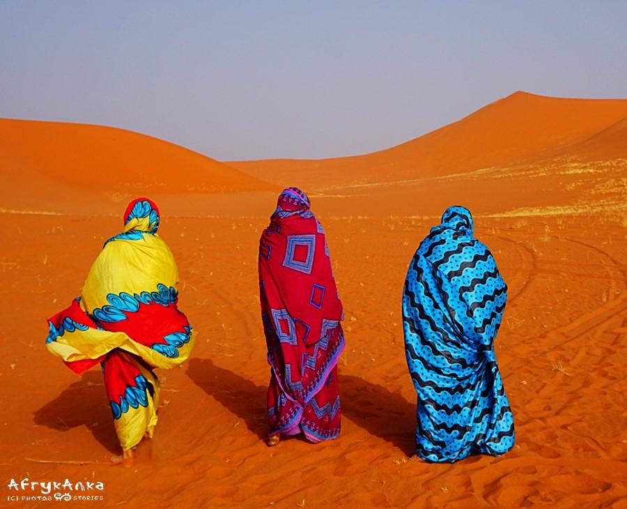 Ta sama tkanina na Saharze :)