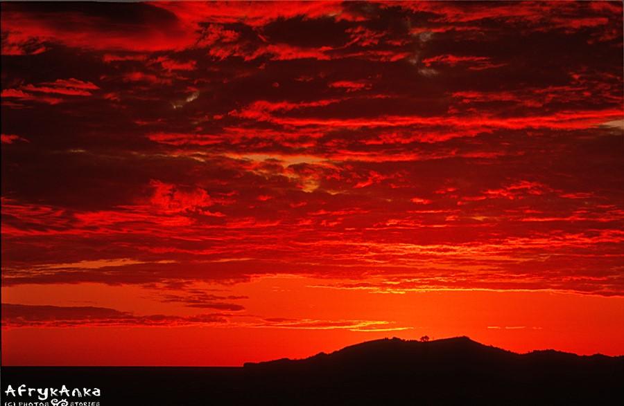 Zachód słońca nad jedną z wysp.