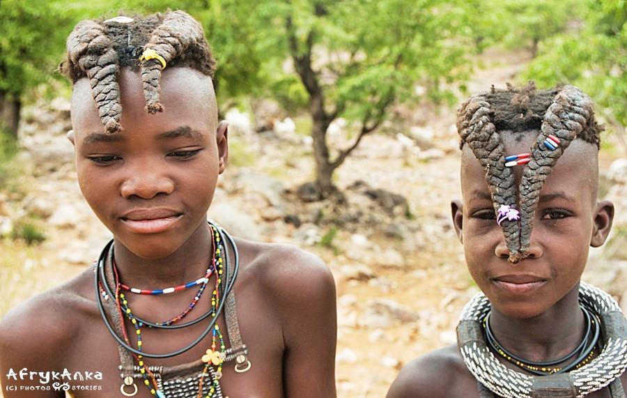 Ozdobne gumki do włosów na pewno ucieszą dziewczynki!
