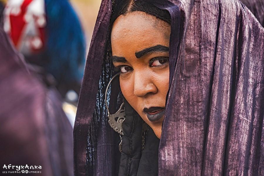 Kobieta tuareska ma silną pozycję w rodzinie.