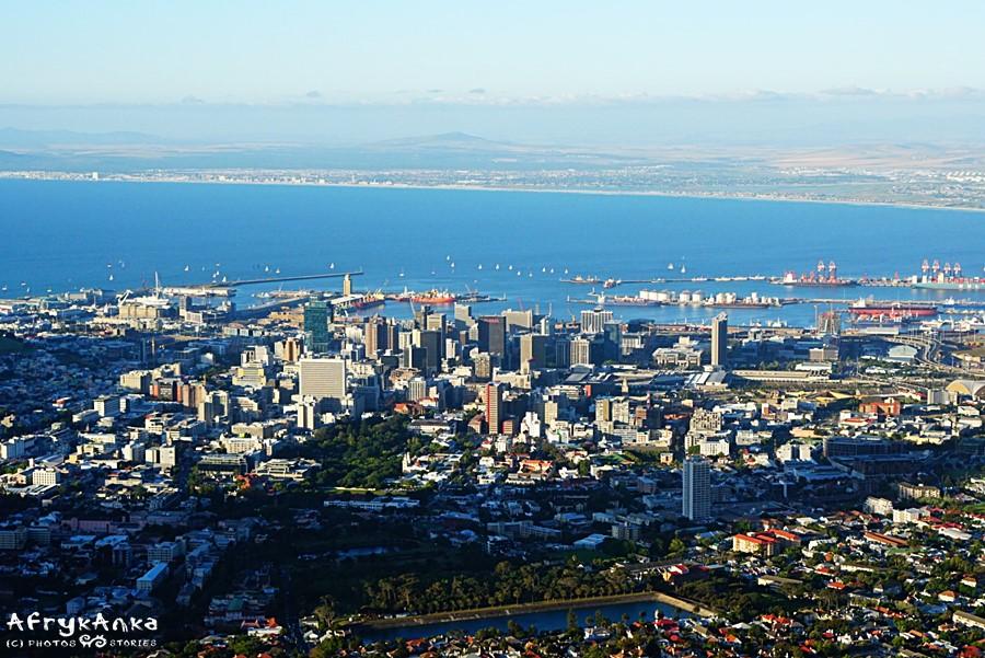 Panorama Kapsztadu z kolejki.