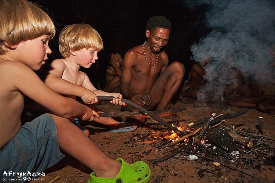 Biwaki i ogniska bardzo cieszyły dzieci.