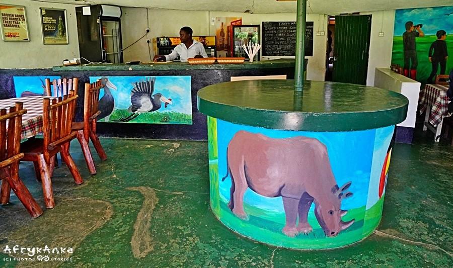 Restauracja w ośrodku - z obowiązkowym nosorożcem!