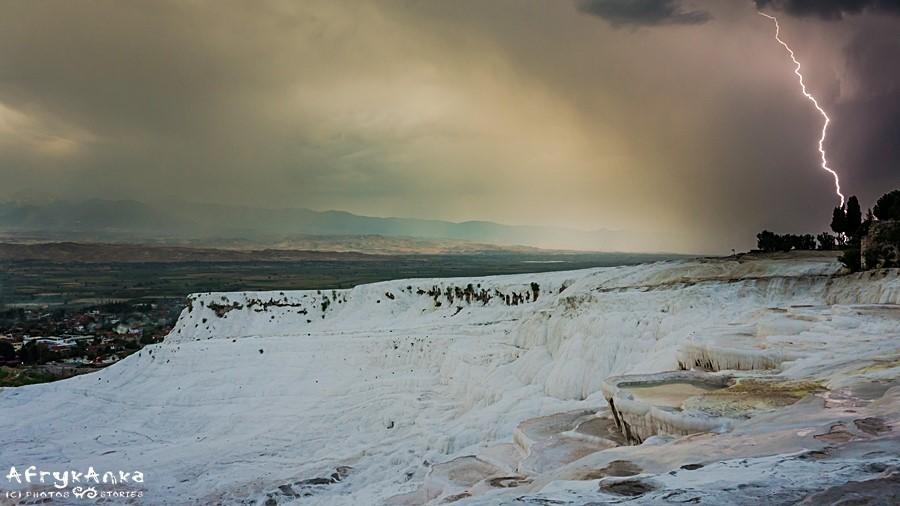 Burza nad Pamukkale.
