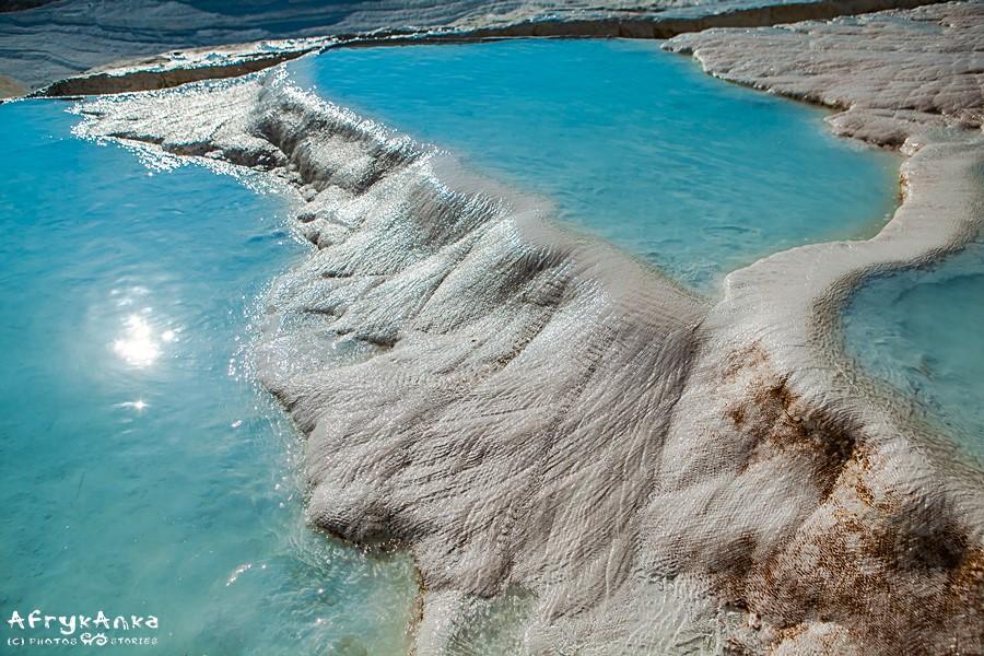 Faktycznie wygląda to jak jeziora w śniegu!
