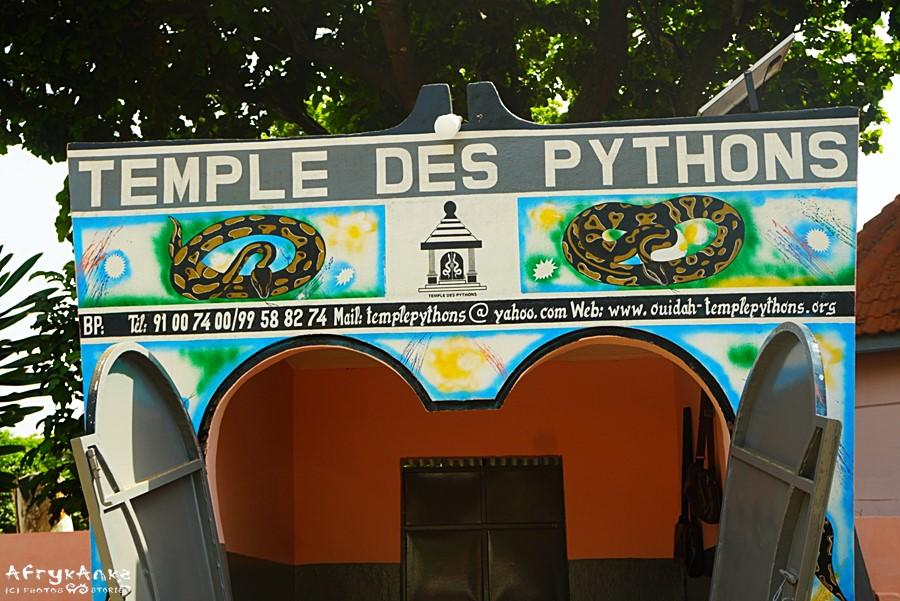 Świątynia pytonów - wejście do sanktuarium.