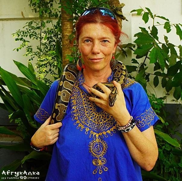 Dama z wężem (częściowo w kieszeni).