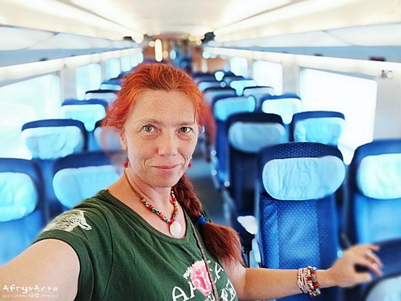 W pociągu tłumu nie ma.