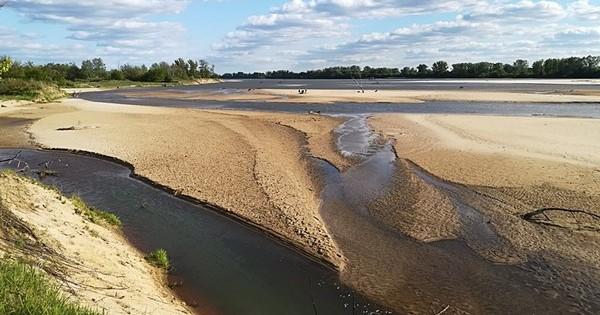 Wyspy Zawadowskie wiosną - teraz wiele łach jest pod wodą.