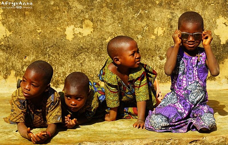 Wiele dzieci nie ma skaryfikacji.