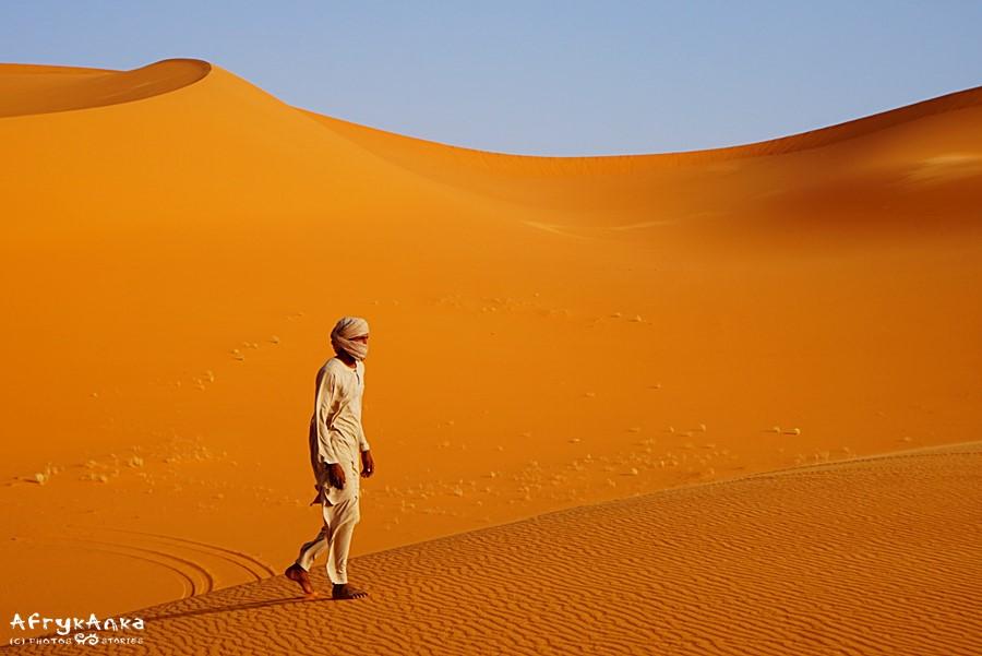 Tuaregowie po pustyni chodzą boso, no ale oni widzą więcej niż my...