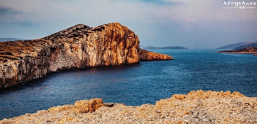 Urwiste klify na wyspie Mana.