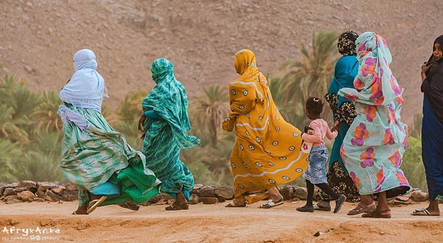 Kobiety idące na Sebeibę.