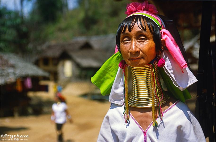 Pani Ma Ae - wioska Padaung w Tajlandii.