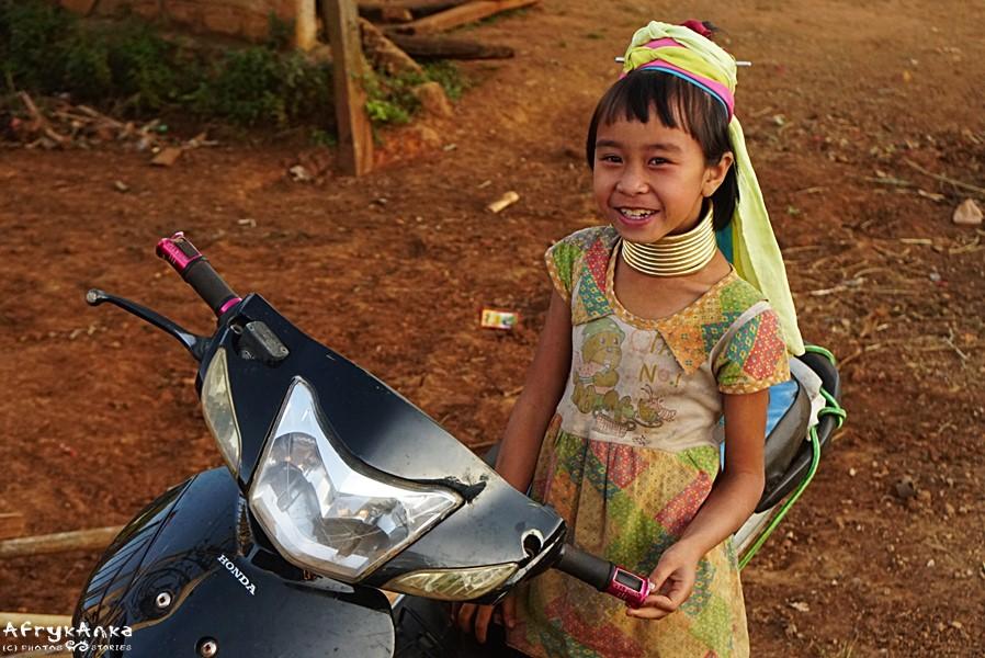 W Birmie Padaung mogą same o sobie decydować.