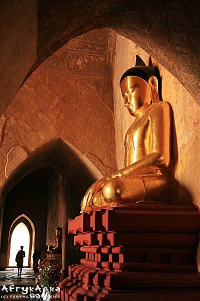 Świątynie są pełne zakamarków.