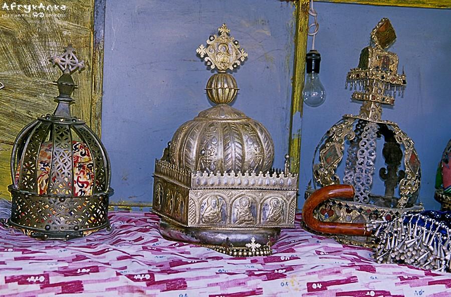 Królewskie insygnia w Aksum.