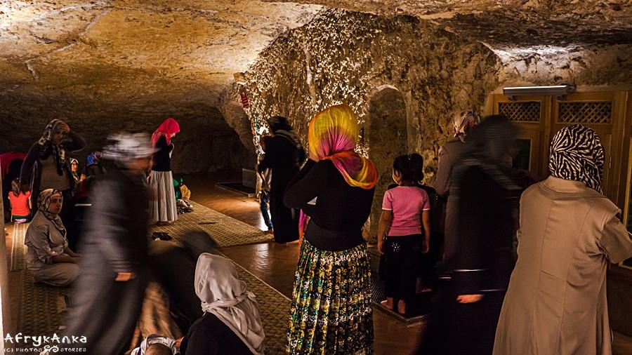 Wnętrze jaskini - część dla kobiet.