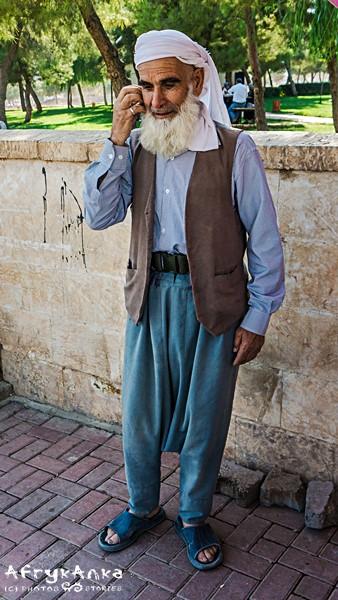 Mężczyzna w tradycyjnym stroju.