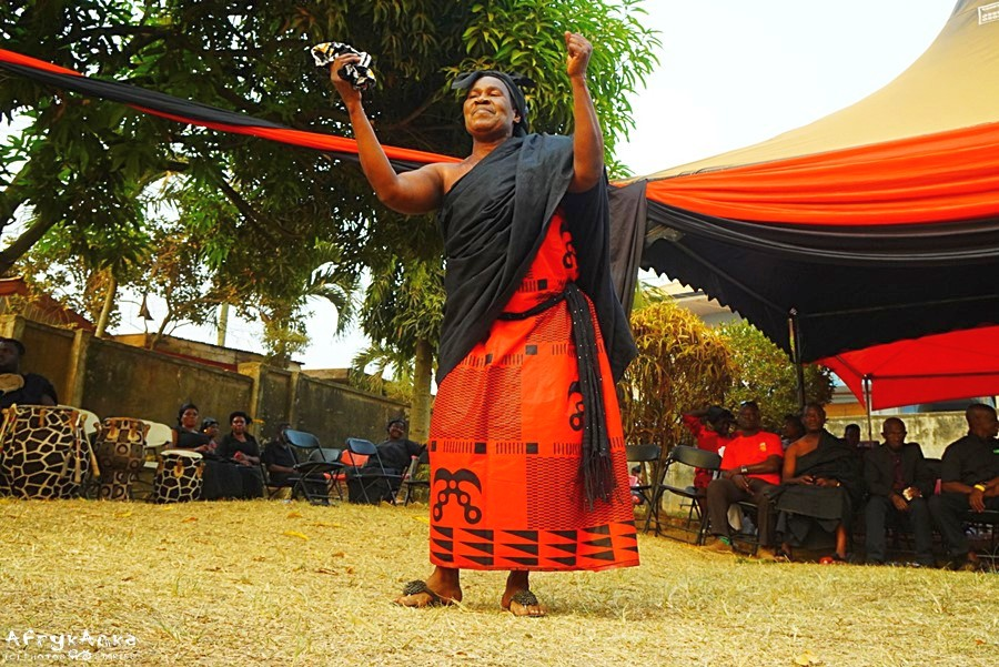Pogrzeb w Ghanie jest pełen muzyki i tańca.