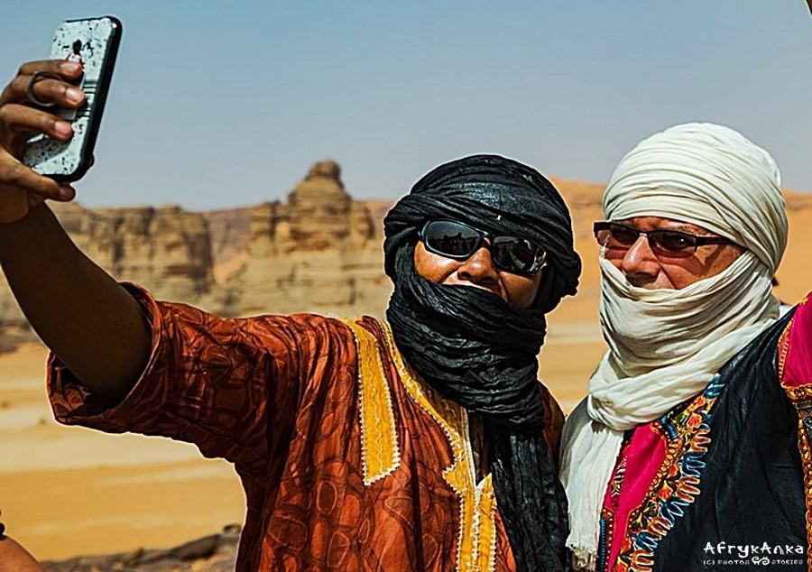 Po prawej Artur Urbański - już prawie Tuareg!