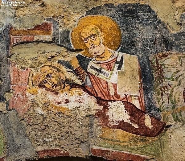 Portret Mikołaja w kościele.