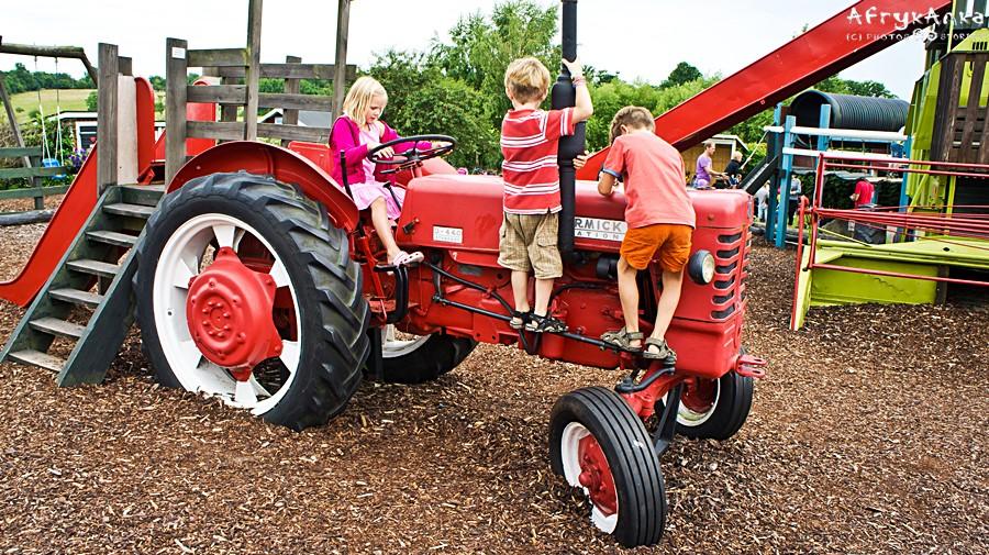 Na jedne traktory się wchodzi...