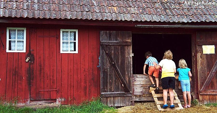 Zdobywamy stodołę by skakać na siano!