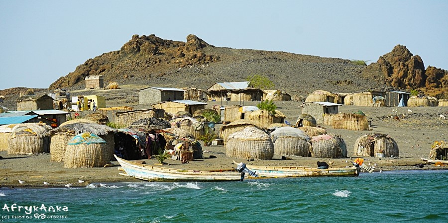 Wioska El Molo na wyspie.