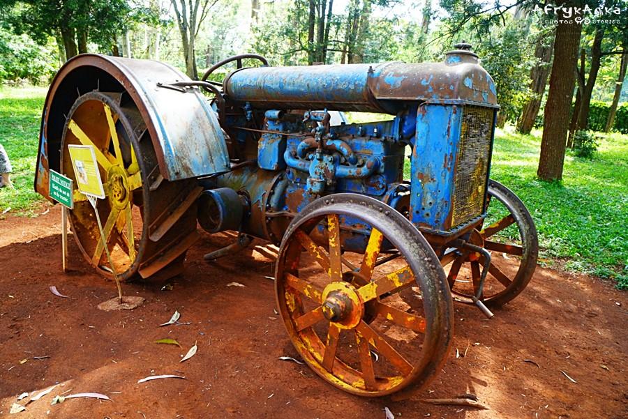 Zabytkowy traktor.