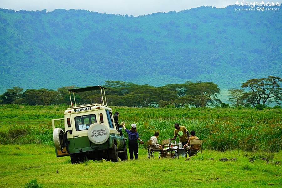 Szykujemy się do obiadu w Ngorongoro...