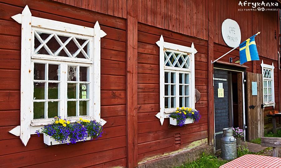 Jeden z domów zmieniono w centrum informacji i sklep z pamiątkami.