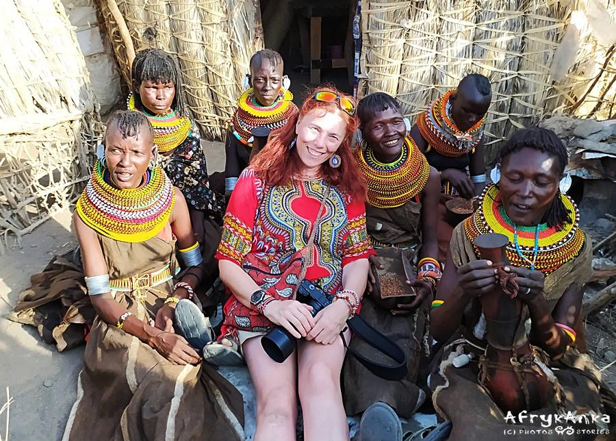 W dashiki wygląda się stylowo! Z paniami Turkana (Kenia).