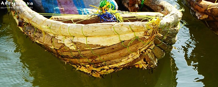 Do budowy łodzi używa się balsy.