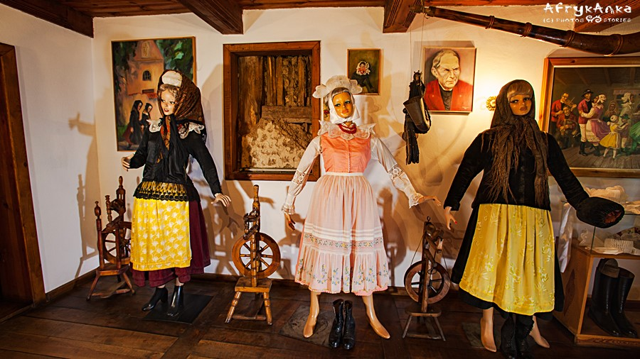 Niegdyś kolorowe sukienki nosiły tylko panny.