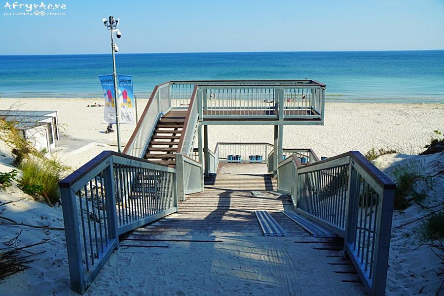 Białogóra - schody na plażę. Tutaj wjedziesz rowerem nad morzem!